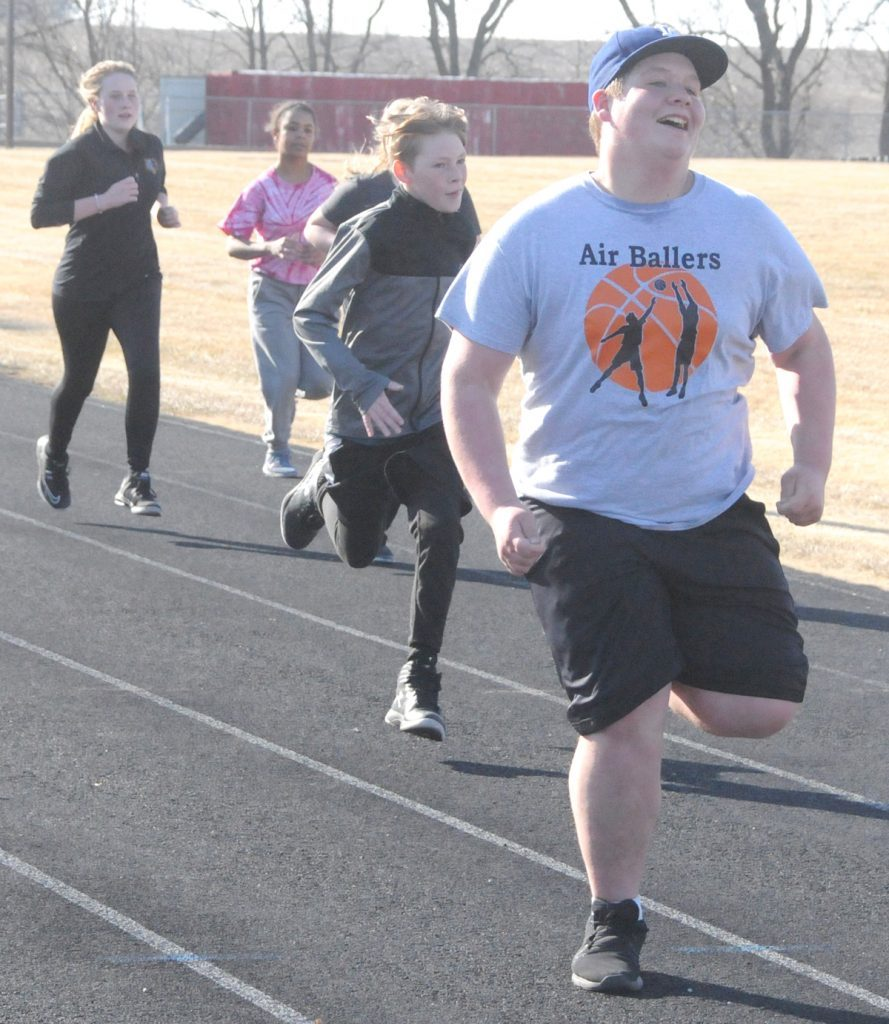 East Atchison jr. high boys' and girls' track teams